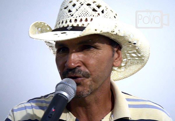 O cantor João José cancela sua apresentação na festa do Divino por se sentir desrespeitado