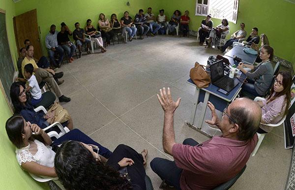 Colegio Estadual se junta à AVICAFE no combate ao amianto