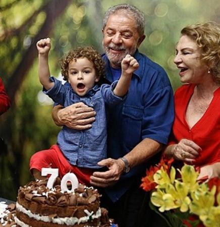 Lula no velório do neto