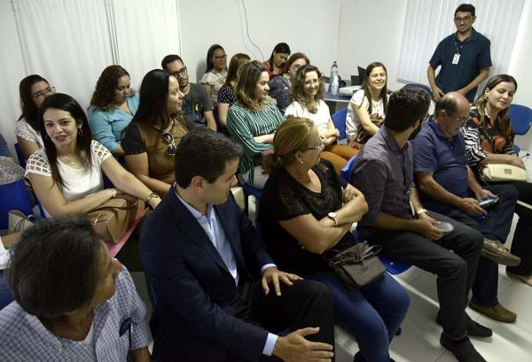 A AVICAFE e ABREA entregam espirômetro à UFBA
