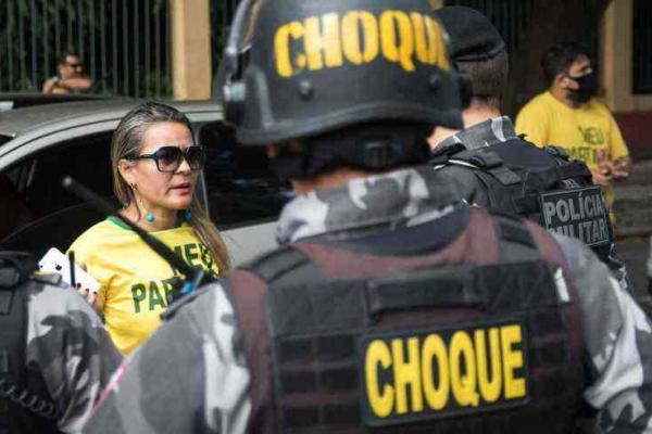 Polícia do Pará prende manifestantes que participaram de carreata conta o isolamento social