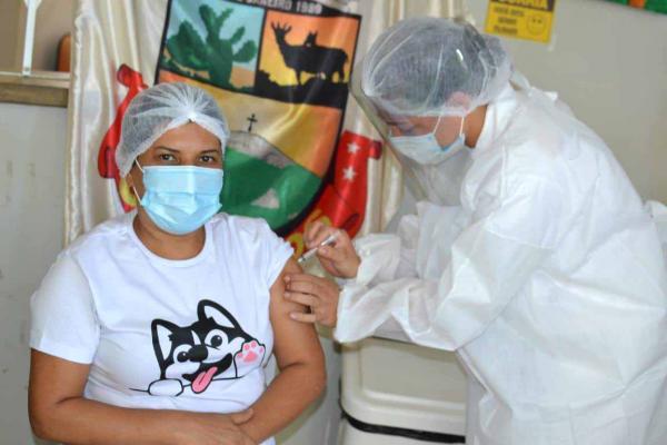 Caetanos recebeu a Coronavac e já está vacinando
