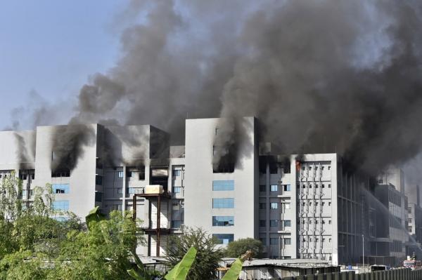 Incêndio no laboratório da OXFORD na Índia