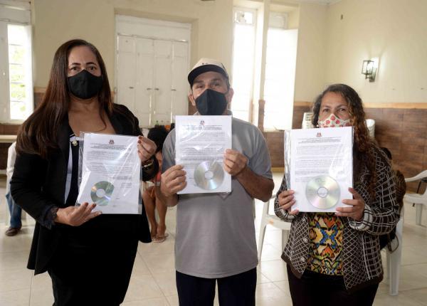 Os assentamentos ASA, CACHOEIRA e UNIÃO receberam o título definitivo das terras